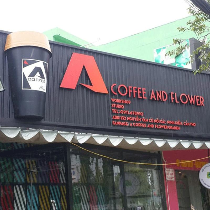 Mẫu bảng hiệu cafe ấn tượng